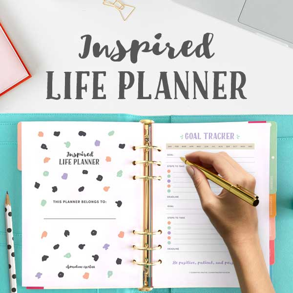 Organize your entire life with this printable life planner kit. Click here to see what's included!
