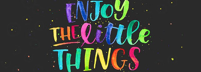 Free Wallpaper: Enjoy the Little Things